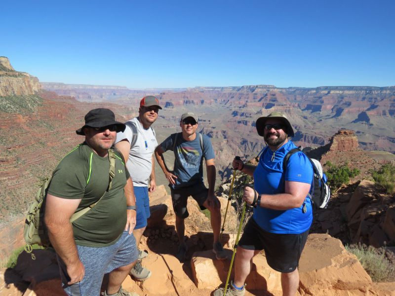 adults-Grand-canyon